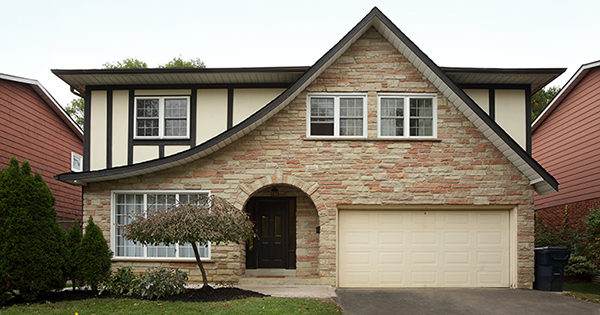 Selling Your House? Make Sure You Price It Right. | Bridge Builders